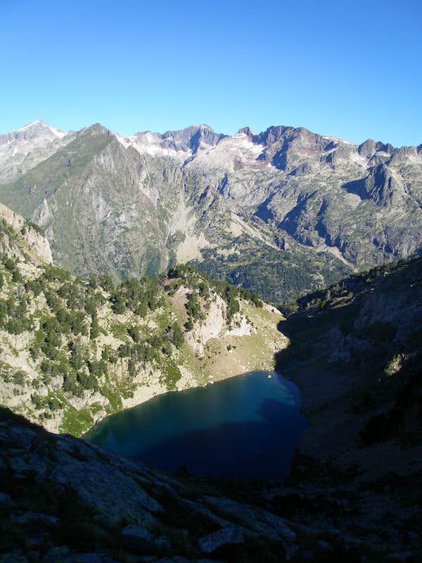 Ba os de benasque ibones de alba climbing hiking - Banos de benasque ...