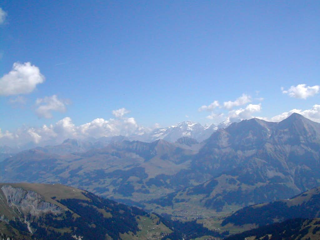 View to Adelboden and Blümlisalp from the Hahnenmoos-Albrist trail