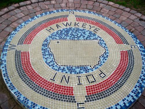hawkeye point monument