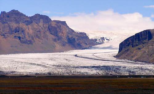 Skaftafellsjökull coming down...
