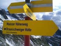 Sign at the Weissmaurachjoch
