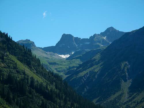 Wildgrubenspitze (2753m) behind Lech