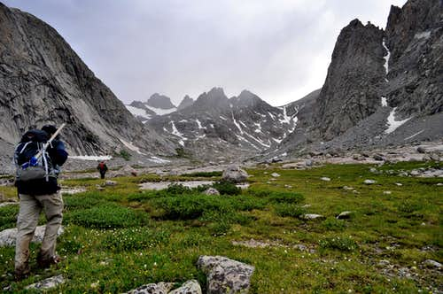 Hiking toward Bonney Pass