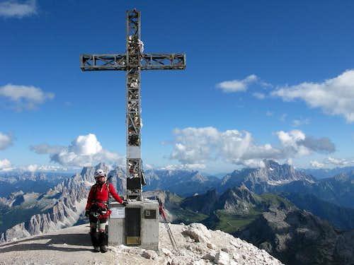 Summit cross at Tofana di Rozes