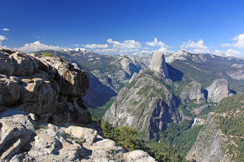 View of Yosemite from Illilouette Ridge