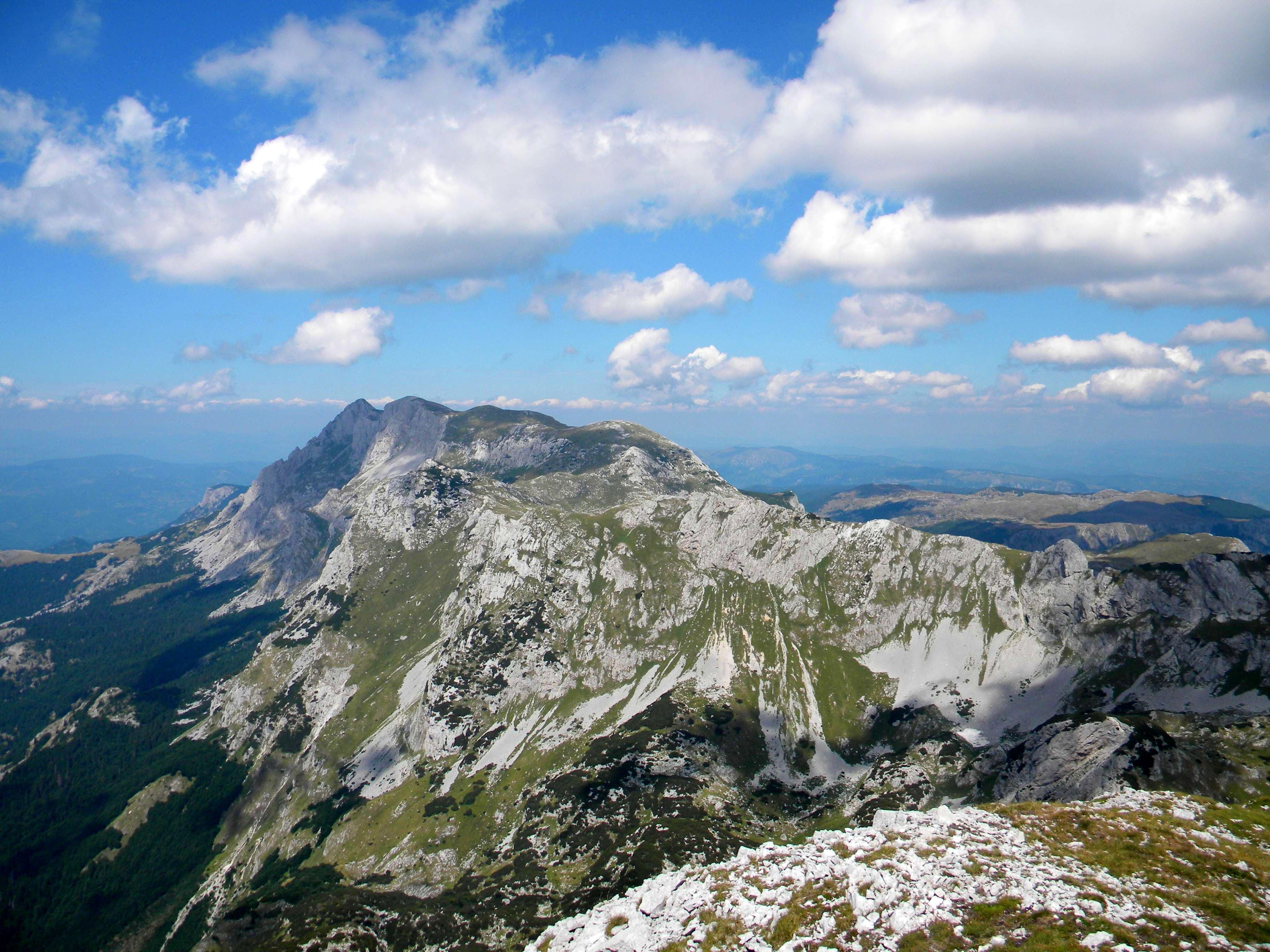 MAGLIĆ,TRNOVAČKO JEZERO  and summits around