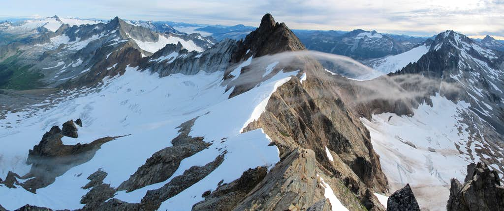 North Cascades Guided Alpine Climb - Sahale Peak - Mountain Madness