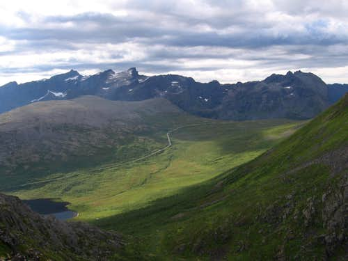 Skamtinden right, and the peaks of the Ersfjord Traverse