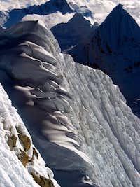 Huandoy Este summit ridge and flutings