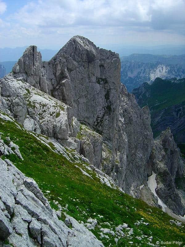 Vertical walls of Đevojka