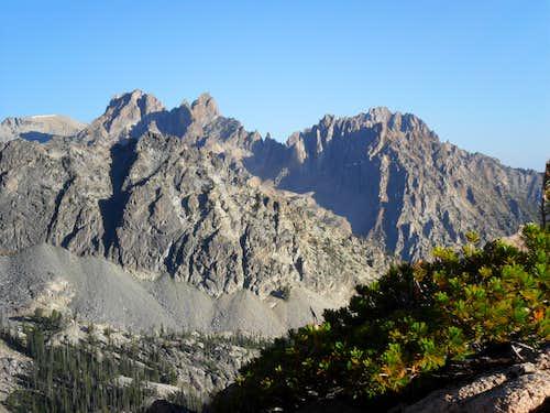 Carter, Mickey's Spire, Thompson Peak and Williams Peak