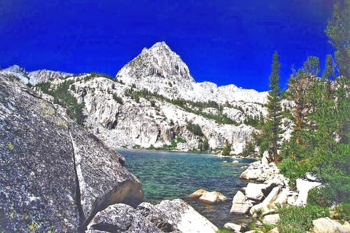 Unnamed peak above  Lower Lamarck Lake