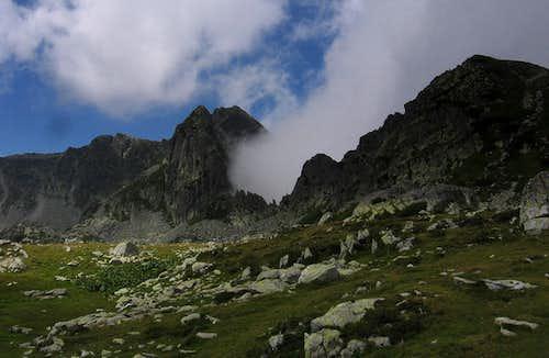 Turnul Porţii and Judele peak