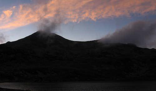 Lake Bucura and Bucura looking like a volcano...