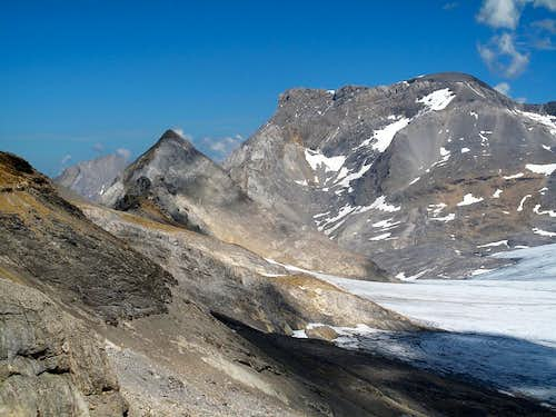 Close-up on Wildstrubel (3243m) and Gletscherhorn (2943m)