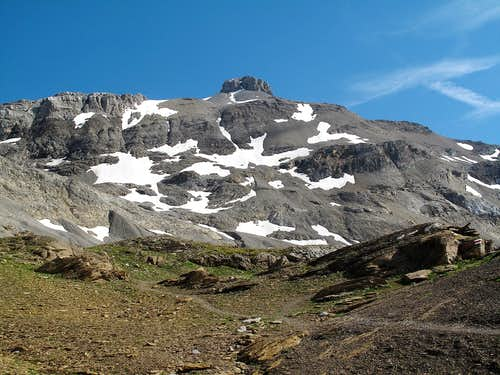 The Rohrbachstein (2950m) seen from the trail to the Wildstrubel hut