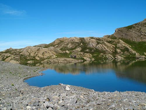 Lower Rawilseeleni lake (2489m)