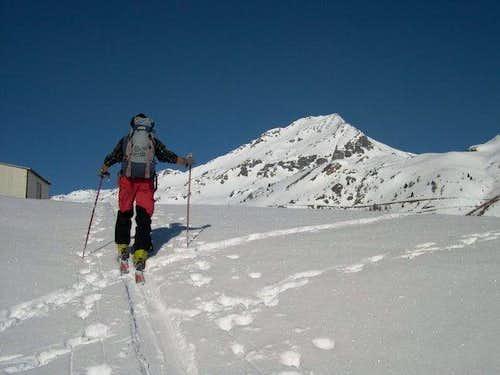 Ski mountanering to the Becca...
