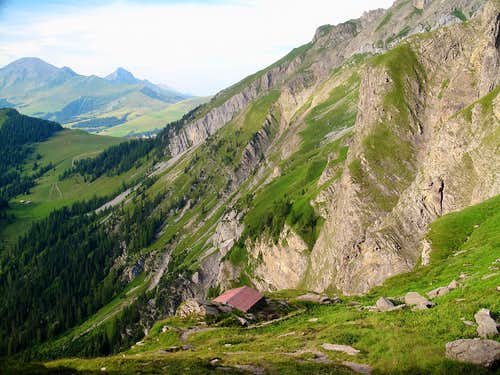 The little Blattihütte refuge on 2029m, on the Iffigenalp-Wildstrubel hut trail