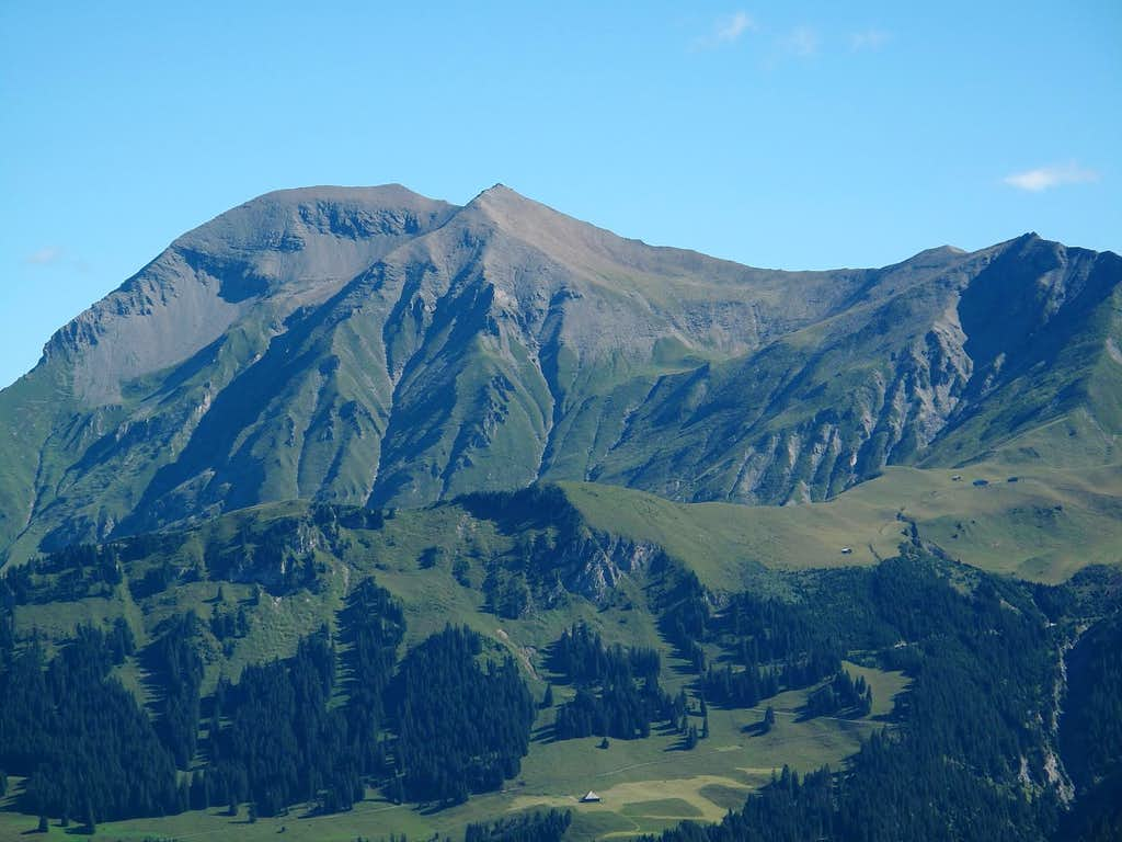 Close-up on the Albrist from Betelberg-Leiterli above Lenk