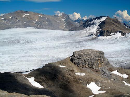 Plaine Morte Glacier, Schneehorn (3177m) and Les Faverges (2968m)