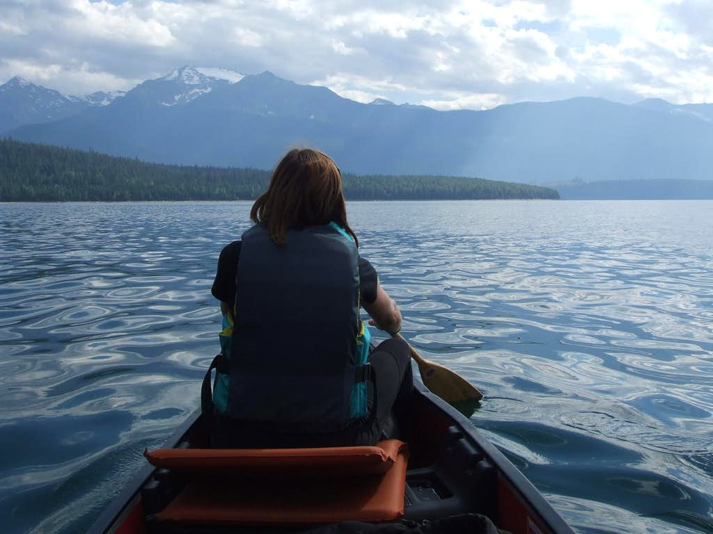 Canoeing on Kinbasket Reservoir to Mount Clemenceau