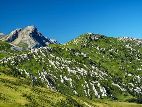 Spitzhorn (2806m) and Stübleni (2109m)
