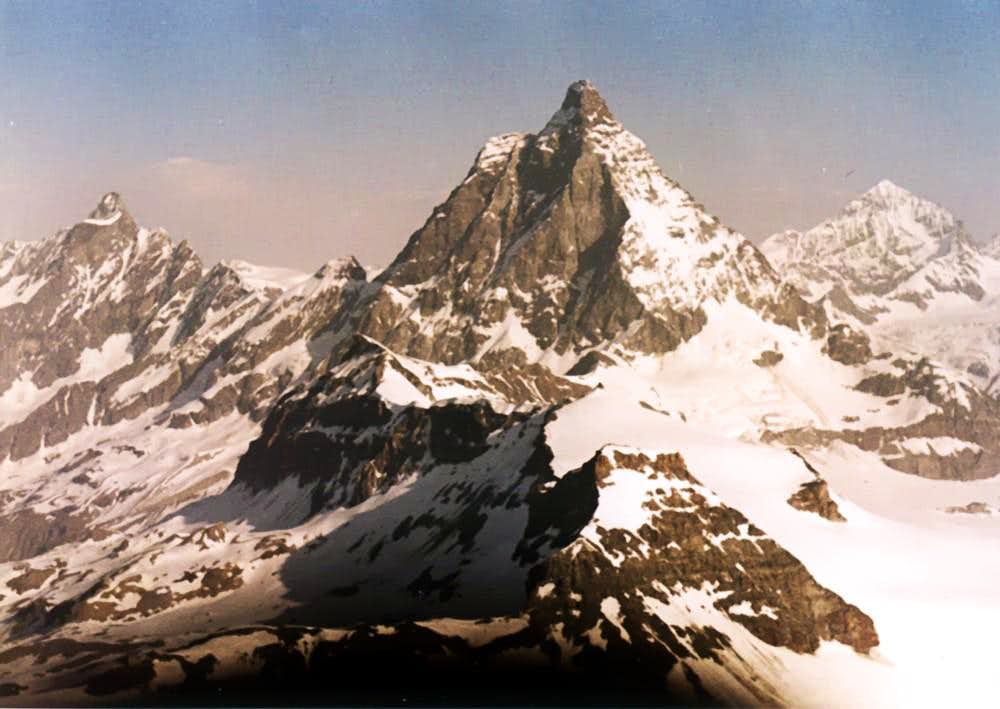 <B>From <font color=green>LITTLE MATTERHORN </font>to WEST in .......<FONT COLOR=BLUE>THE MORNING</FONT></B>