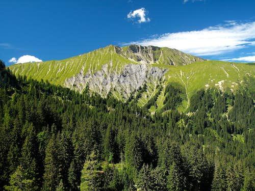 The Wistätthorn (2362m) seen from Stoss above Lenk im Simmental