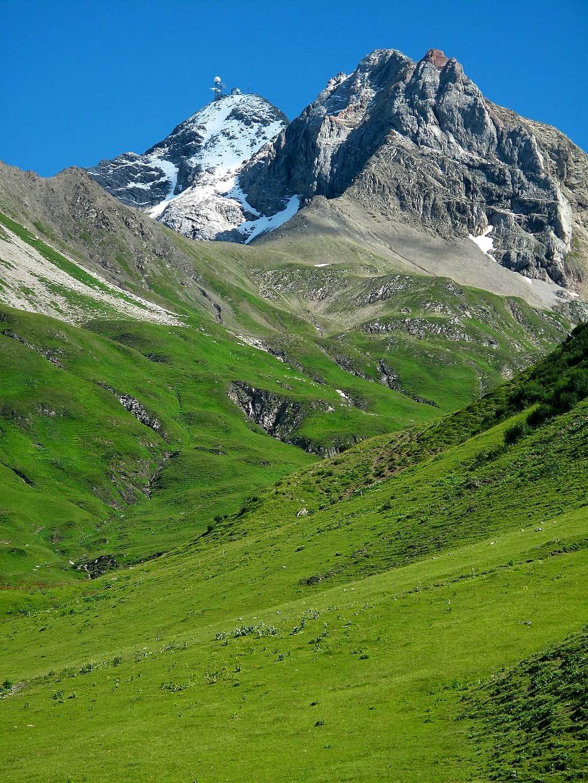 Valluga (2808m) and Pazüelfernerspitze (2712m)