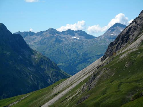 Johanneskopf (2573m) and Hochlicht (2600m) in the Lechquellengebirge...