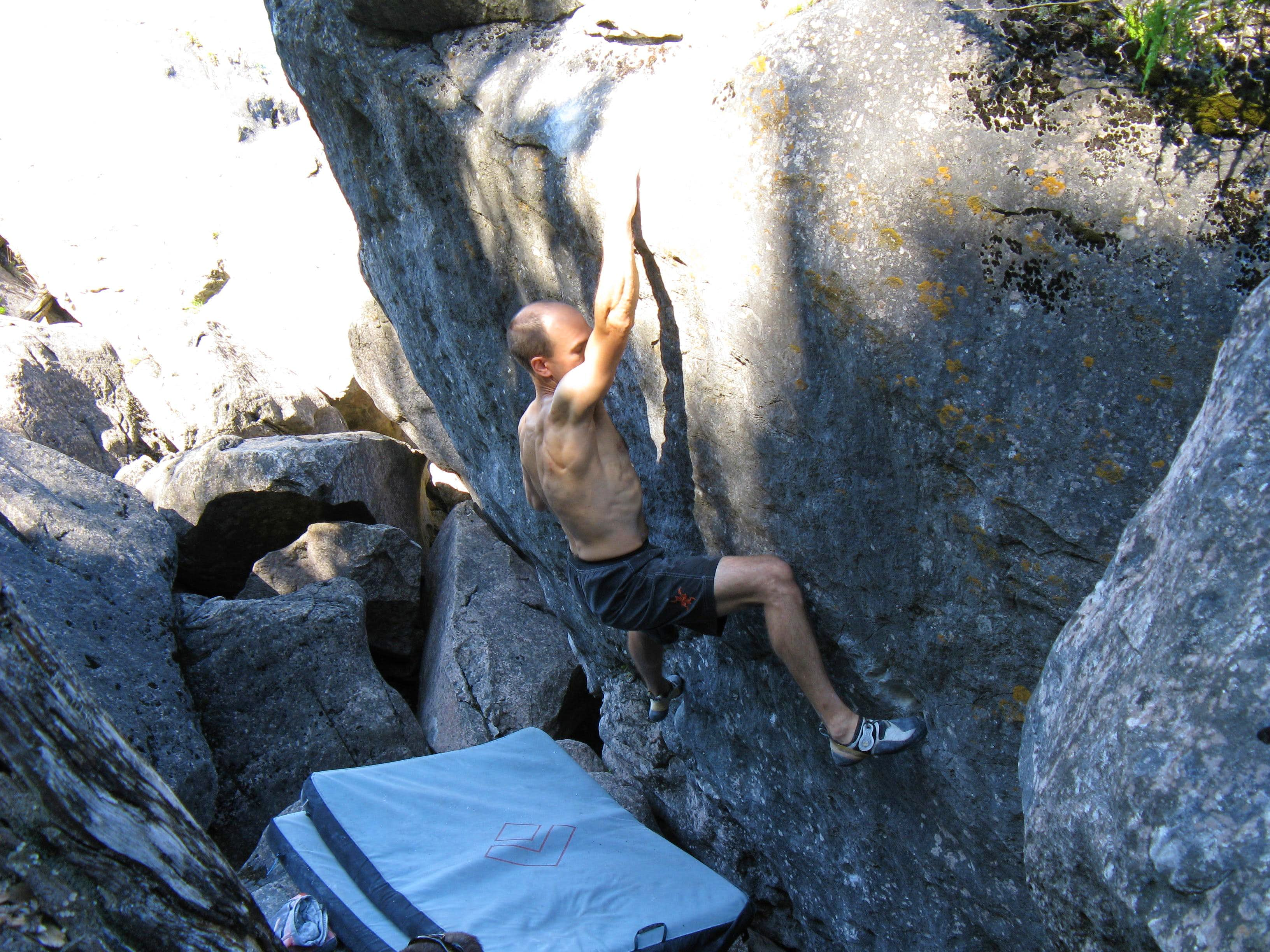 Bouldering at Georgian Bay