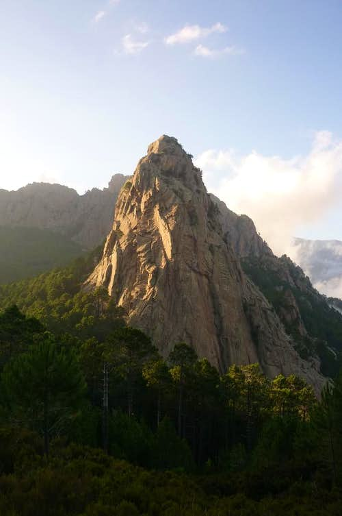 Punta di l'Anima Damnata near Refuge de Paliri