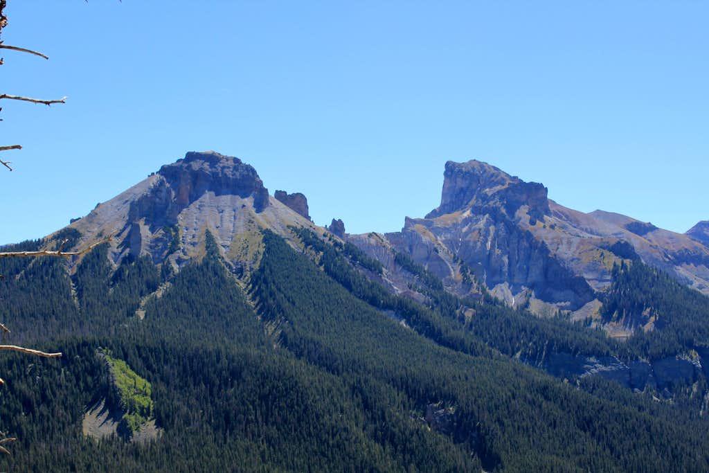 view of surrounding peaks