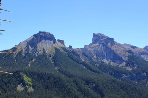 view of surrounding peaks