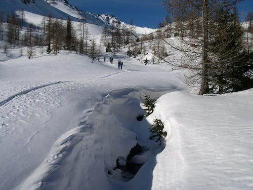 Ski mountanering to Mont...