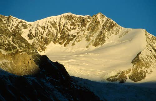 Sunrise light on Bishorn.