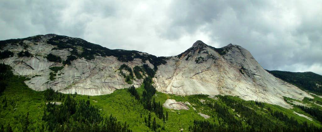 Zopkios Ridge and Yak Peak