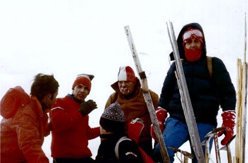 <b>On <font color=green>SUMMIT VALLETTA's POINT</FONT> (3090m) <font color=blue>First Ascent Absolute</font> December 30th, 1977 <font color=red>The GENERAL WALRUS</FONT></B>