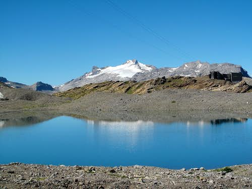 The upper Rawilseeleni lake and the Wildhorn (3248m)