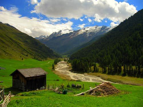 Beautiful view towards Weisskugel (3735m)
