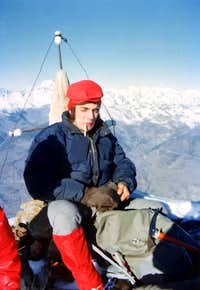 Mike Burke on the EVEREST s SUMMIT? NO: Camill Roby FERRONATO in day from Gimillan EMILIUS s SUMM WINTER  75