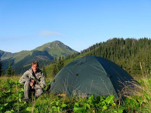 A stone's throw from the Farcău summit