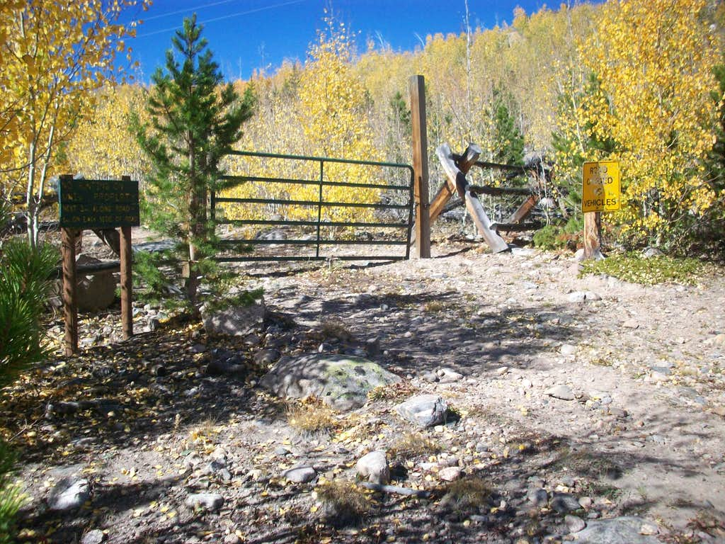 Gate for Emmaline Lake TH