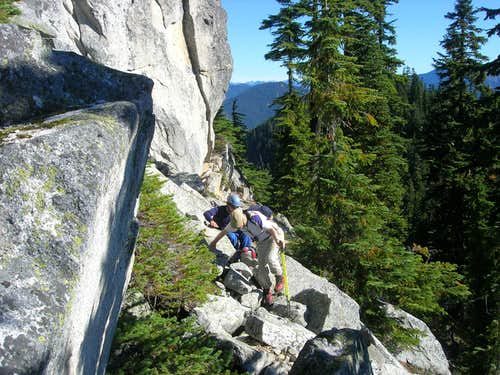 Scrambling the rocks of Skyline Ridge