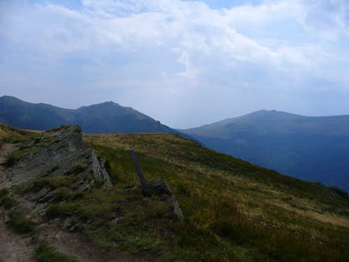 Tarnica summit from Bukowe Berdo