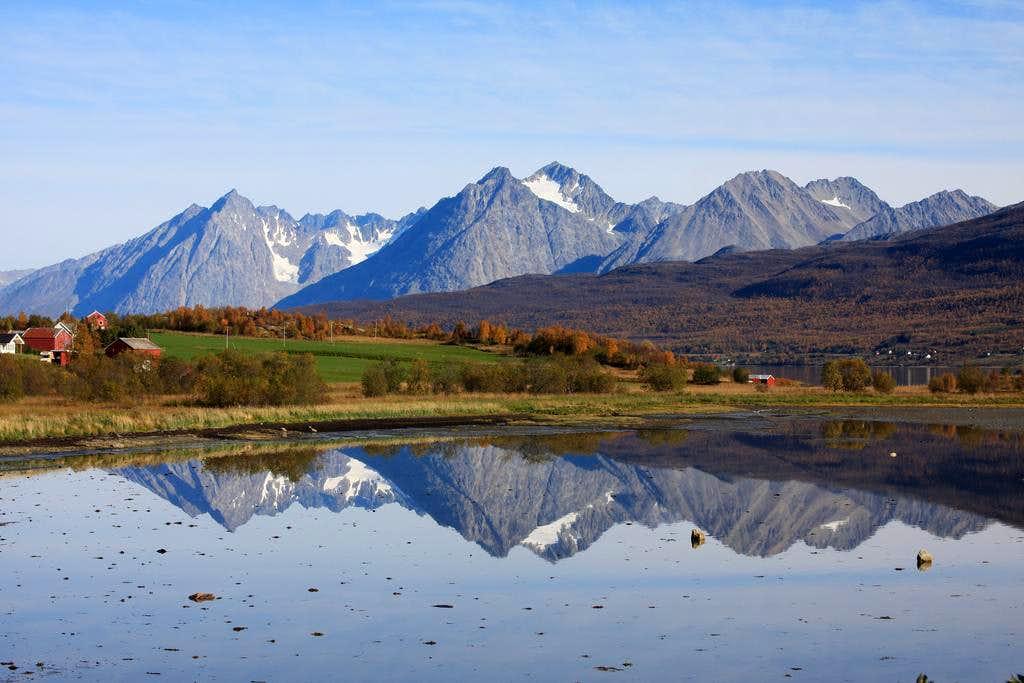 Lyngen Alps in the fall