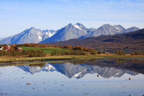Lyngen Alps in the fall