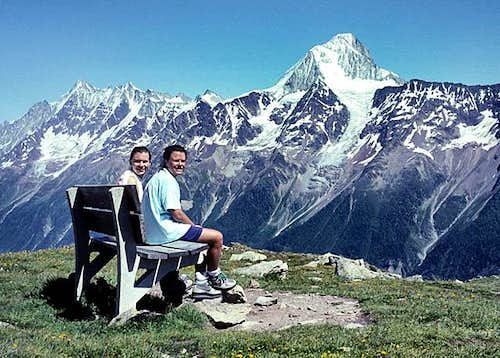 A nice resting spot.<br>View to Bietschhorn.