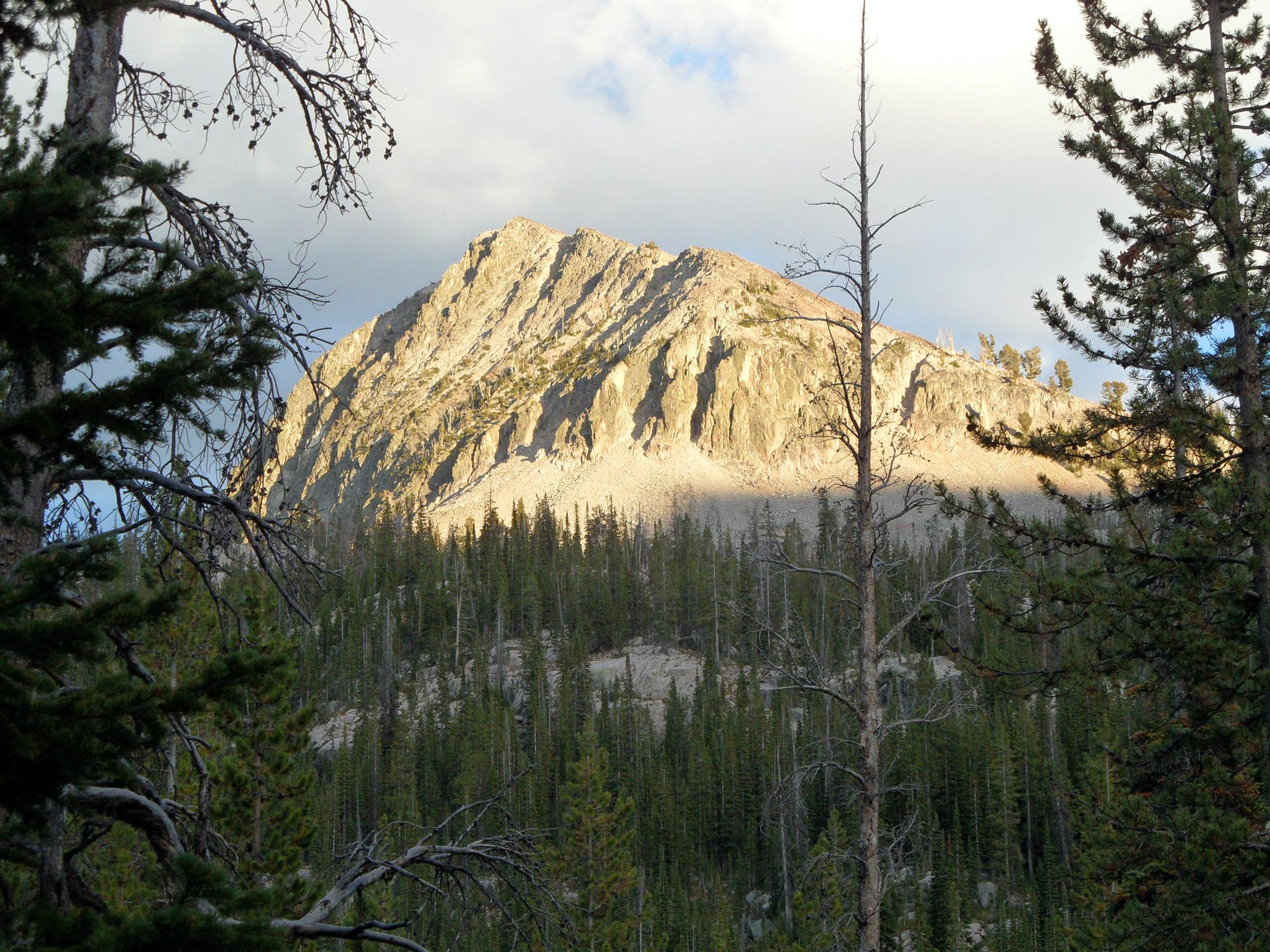 Peak 9963 (Alpine Creek Lakes Peak)